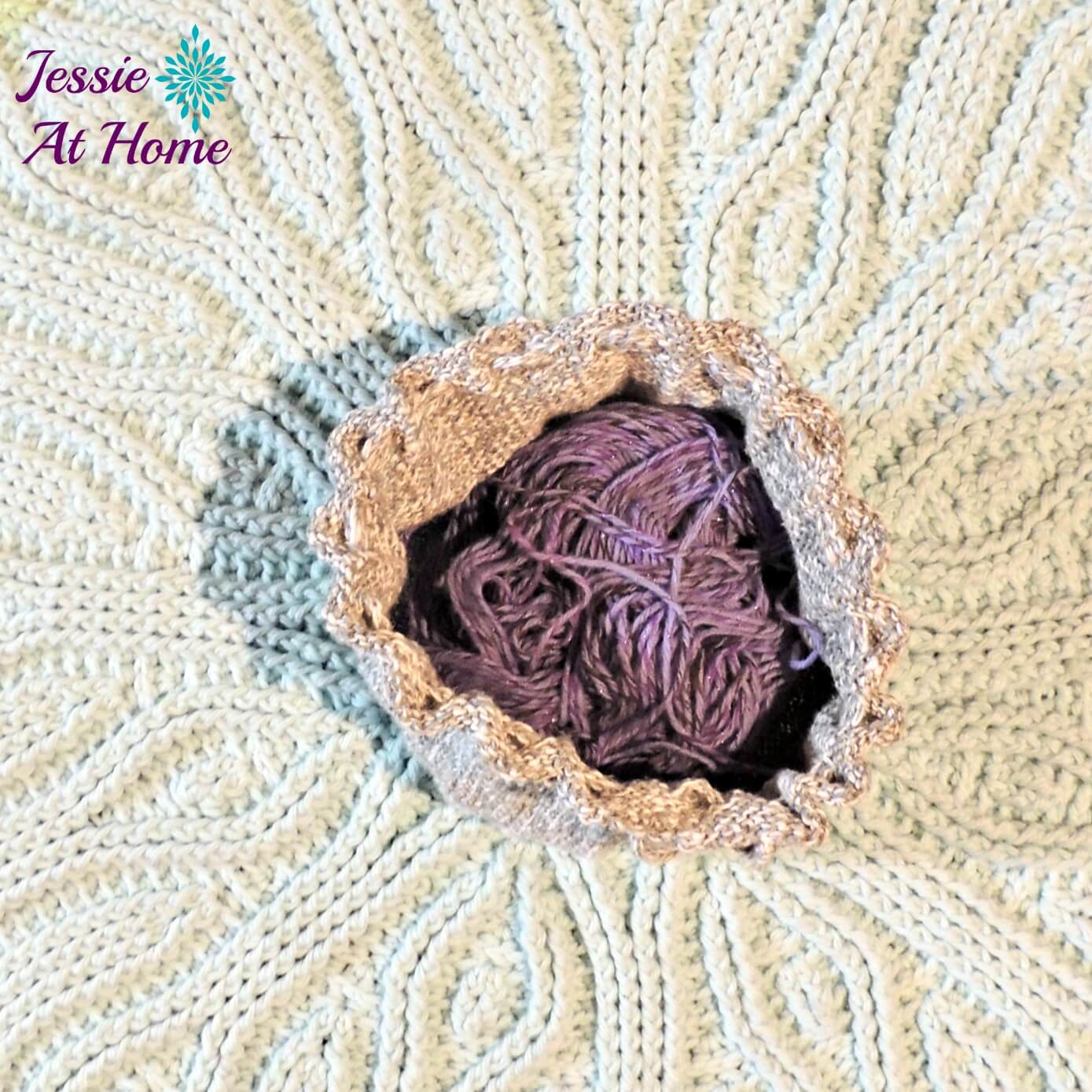circle-pouch-free-knit-pattern-by-Jessie-At-Home-5