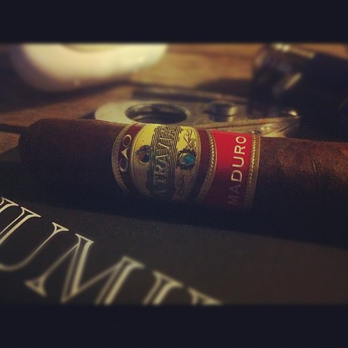 Let's keep the @caocigars love going with a La Traviata Maduro Animados