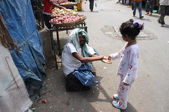 Marziya Shakir Street Photographer 4 Year Old ,,Gives Charity Before She Shoots by firoze shakir photographerno1