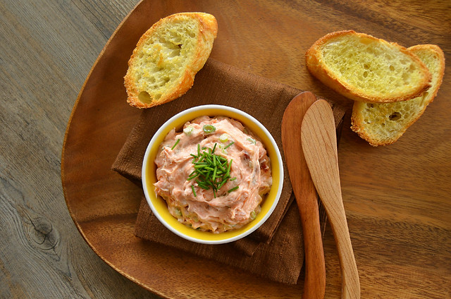 Smoked Salmon Dip with Crostini
