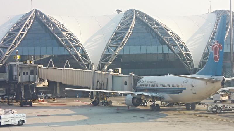 China Southern Airlines, Boeing 737-800 (B-5112), Suvarnabhumi Airport, Bangkok