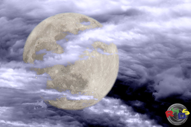 Super Moon in Clouds 2012