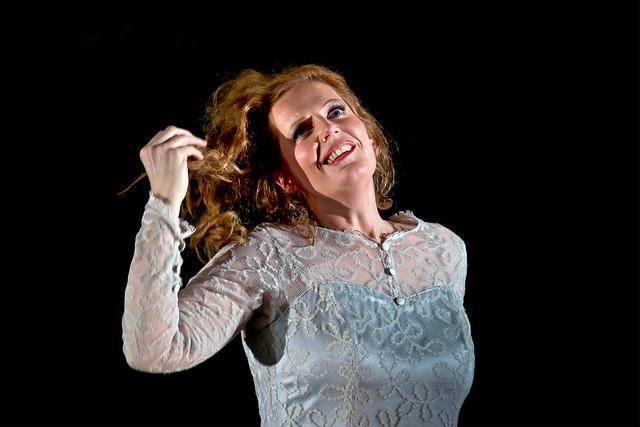 Eva-Maria Westbroek as Elisabeth in Tannhäuser © Clive Barda/ROH 2010