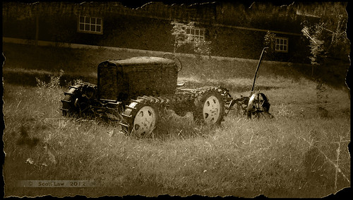 Early Tracked Tractor by Just Used Pixels (Back & catching up)
