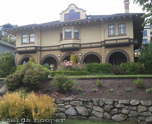 cool arches on Queen Anne by zelda~c