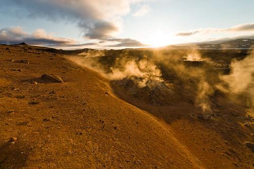 hot nature sunrise landscape geotagged island volcano iceland smoke natuur steam sulfur geothermal landschap isl vulkaan stoom krafla ijsland reykjahlíð leirhnjúkur zwavel norðurlandeystra geothermisch geo:lat=6571302000 geo:lon=1677459100