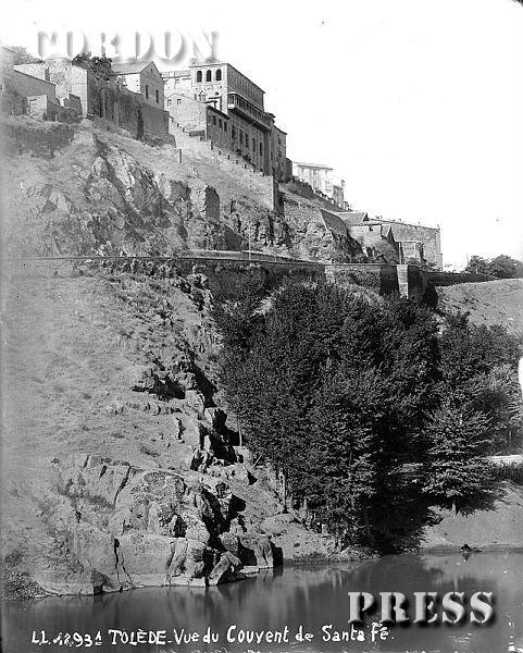 Convento de Santa Fe y olmeda junto al Tajo en Toledo hacia 1875-80. © Léon et Lévy / Cordon Press - Roger-Viollet