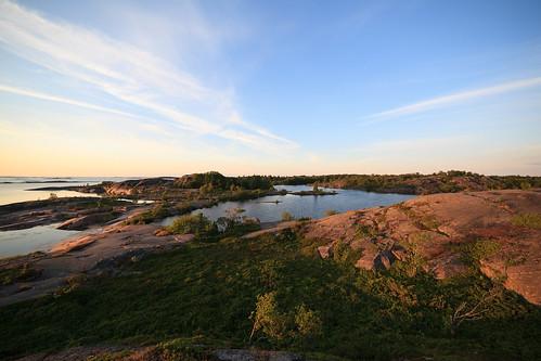 sea summer outcrop lake rock suomi finland landscape island kallio outdoor meri kesä järvi saari björkö 14mm saaristo saaristomeri insjön arhcipelago