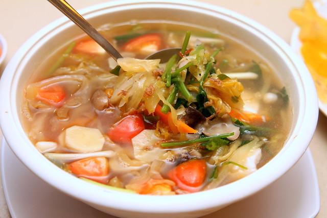 锦家庄海鲜:冬菜豆腐汤