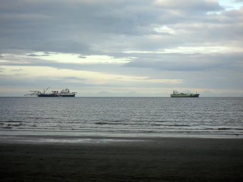 Ships off Kirkcaldy