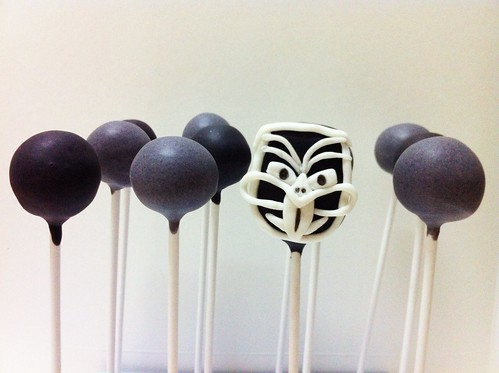NRL New Zealand Warriors Cake Pops