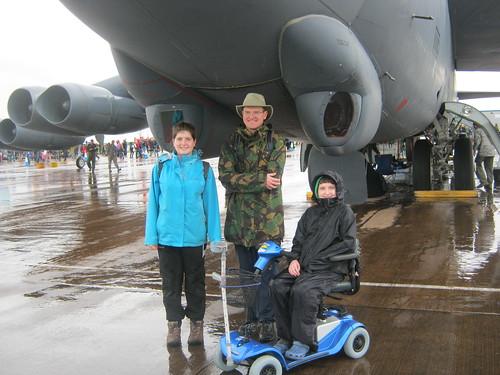 Moli, Dad and Pad under B-52