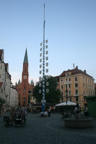 Maibaum am Wiener Platz