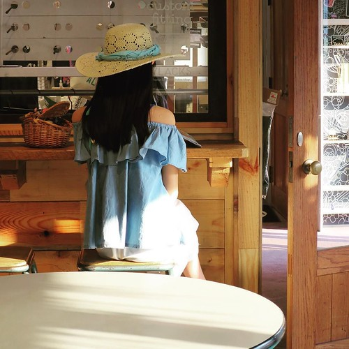 カフェの中 #vlacks #75sea