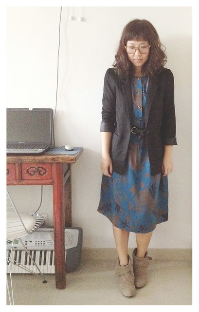 Vintage dress + black blazer + boots