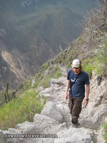 hiking colca canyon peru 24