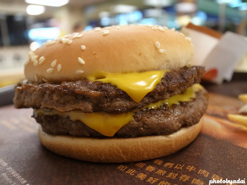 2011.11.30 麥當勞雙層四盎司牛肉堡_GRD4