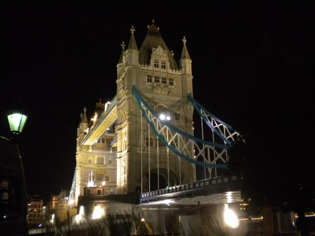 Tower Bridge de noche