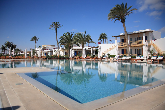 Hotel paracas a luxury collection resort paracas peru for Hotel luxury resort paracas