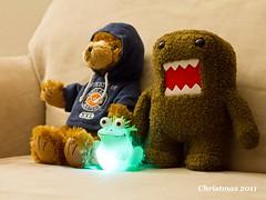 monkey(0.0), primate(0.0), teddy bear(1.0), art(1.0), textile(1.0), yellow(1.0), plush(1.0), stuffed toy(1.0), toy(1.0),
