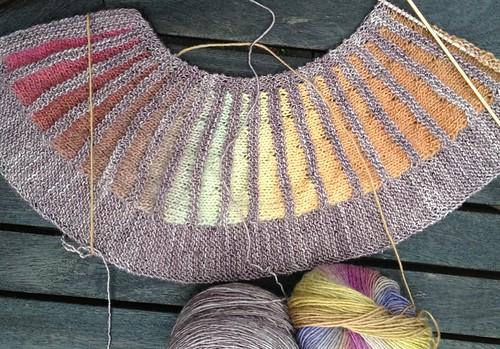 Spectrum scarf