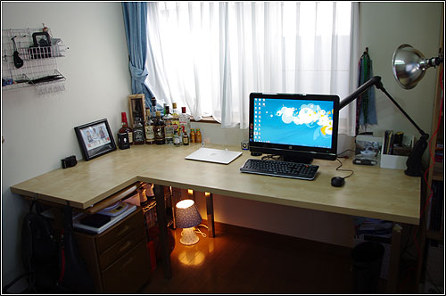 IKEA+小物を使って6畳部屋のデスクを2万円ちょっとで新調!!