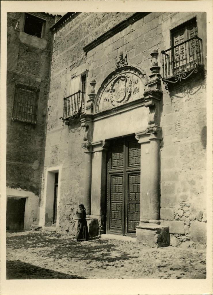 Palacio de Munárriz a comienzos del siglo XX. Fotografía de Pedro Román Martínez. Centro de Estudios Juan de Mariana. Diputación de Toledo