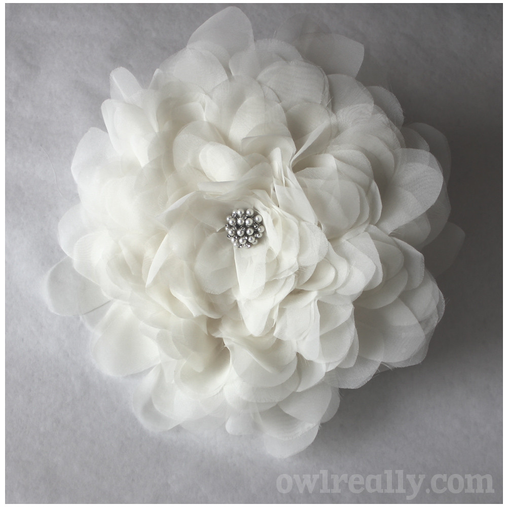 flower, fabric flower, diy, bouquet, bridal bouquet, bridal bouquet alternative, make your own bouquet, make your own wedding bouquet, make your own bridal bouquet, organza, easy, no-sew, no sew