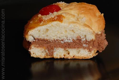 Roscón de Reyes sin huevo relleno de trufa