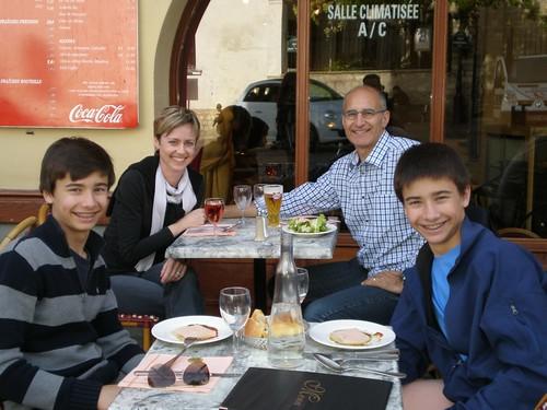 Lunch near Sacre Coeur by Tamara Irminger