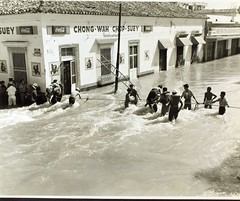 Life line rescues by sailors from the Saipan in the city of Tampico, Mexico NHHS Photo