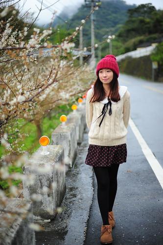 [フリー画像素材] 人物, 女性 - アジア, セーター, 帽子, 台湾人 ID:201202021800