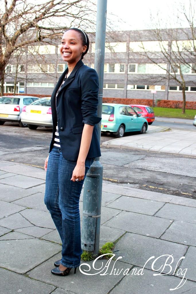 Striped top & dark blue blazer: Street Style