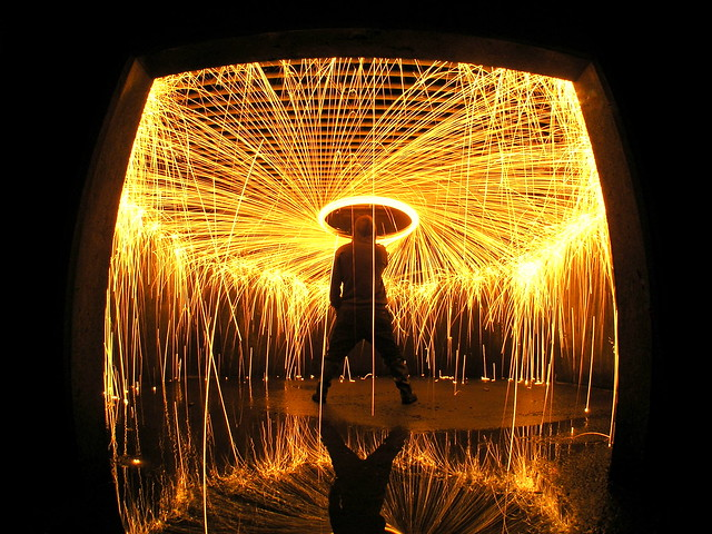 6799982197 afe00633c8 z Awesome Long Exposures Using Steel Wool