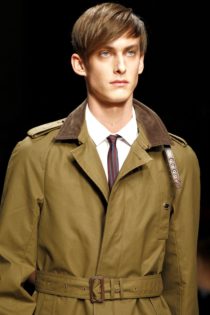 Elias Cafmeyer3046_FW12 Milan Burberry Prorsum(VOGUE)