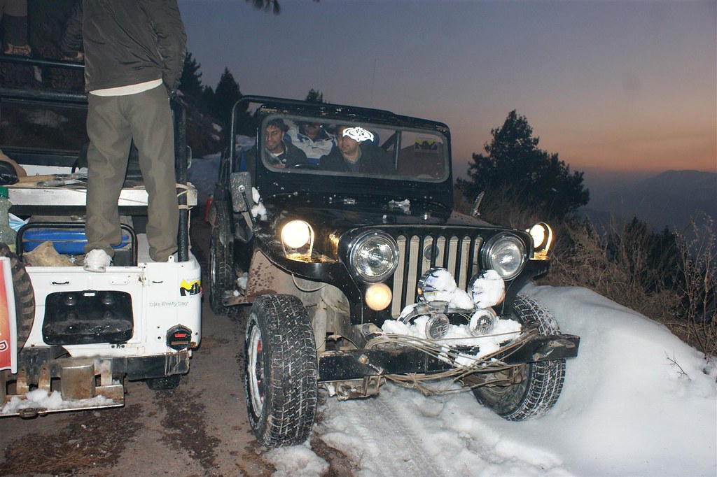 Muzaffarabad Jeep Club Snow Cross 2012 - 6812848273 e382bd76fe b