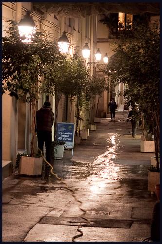 natte straat by hans van egdom
