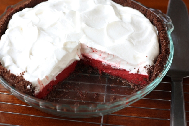 Red Velvet Pudding Pie