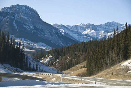 Driving to the Mountains #3: Winding into the Canadian Rockies