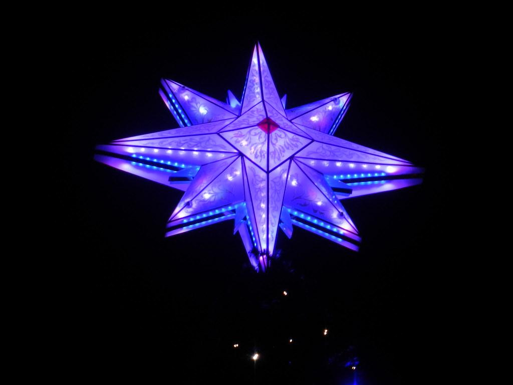 Un séjour pour la Noël à Disneyland et au Royaume d'Arendelle.... - Page 5 13717942734_b1a0eaea82_b