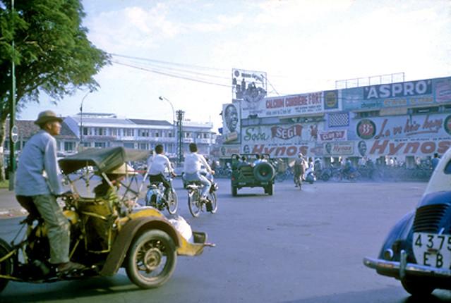 SAIGON 1965-66 - Bùng binh chợ Bến Thành