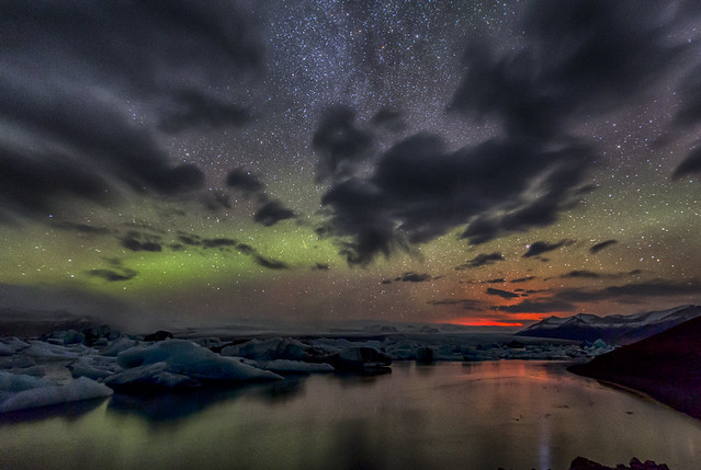 In Iceland, Holuhraun eruption light and Aurora