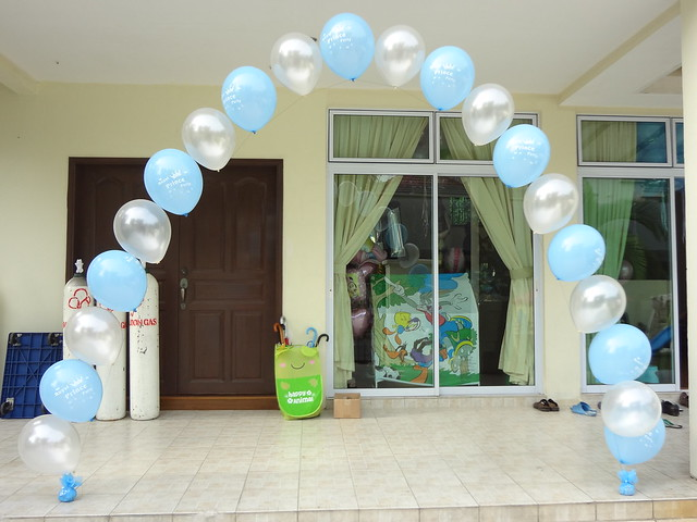 Simple balloon arch display flickr photo sharing