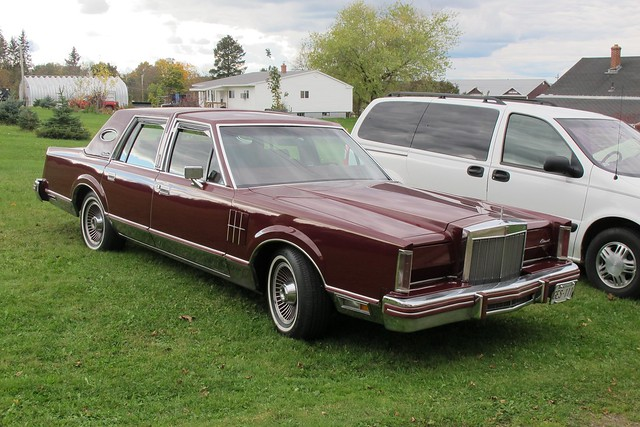 1980 lincoln continental vi sedan flickr photo sharing. Black Bedroom Furniture Sets. Home Design Ideas