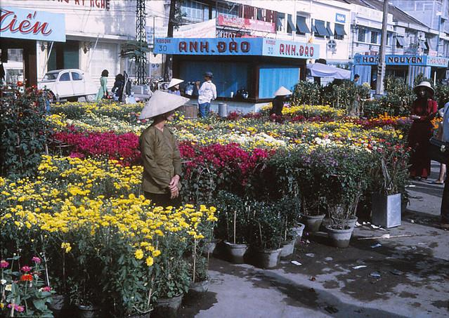 SAIGON 1970 - Chợ hoa Tết đường Nguyễn Huệ