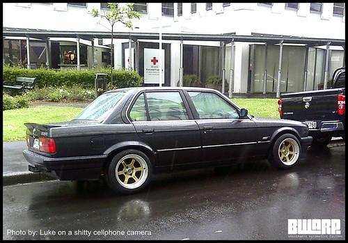 E30 BMW on decent wheels