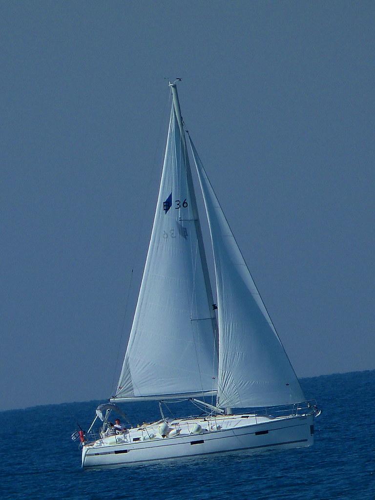 02-12-2011-sailing
