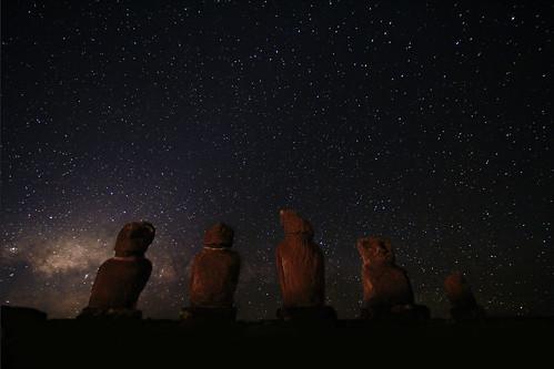 無料写真素材, 建築物・町並み, 遺跡, 夜空, 星, モアイ像, 風景  チリ
