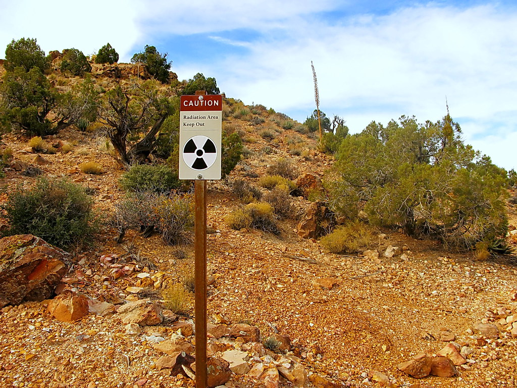 Radiation Area Sign - Horseshoe Mesa mine talings - Grand Canyon - South Rim by Alan English CPA, on Flickr
