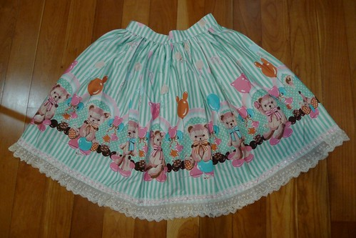 Lolita Closet Count! Skirts: Green - Bodyline Stripe Balloon Bear